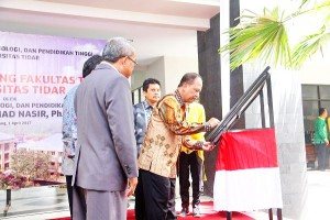 peresmian gdg ft untidar(1)