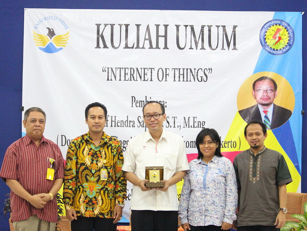 "KULIAH UMUM TEKNIK ELEKTRO BERTEMA ""Internet of Thing"""